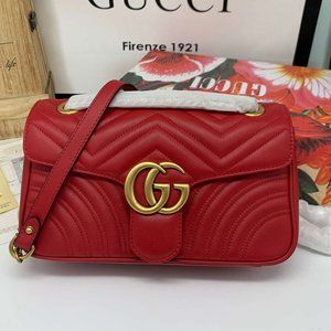 Gucci Red 443497 Marmont Matelasse Bagwallet🐻